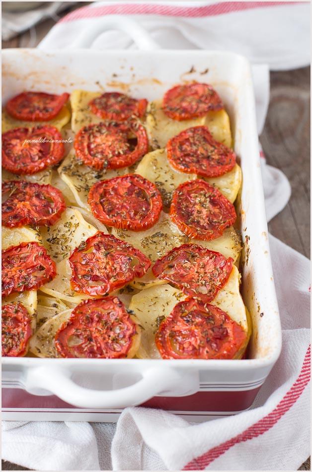 tiella-abruzzese-patate-pomodori