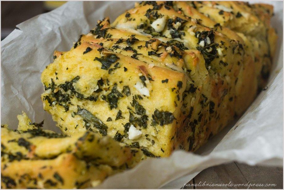 pull-apart-bread-con-pecorino-e-cavolo-nero-6